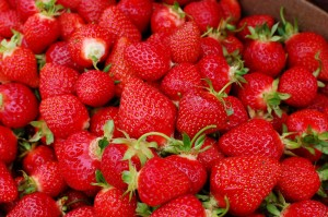 Strawberry-fruit-34914838-1600-1064